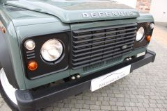 LAND ROVER DEFENDER 110 TD HIGH CAPACITY PICK UP - 2650 - 21