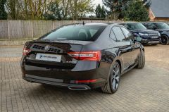 SKODA SUPERB SPORTLINE PLUS TDI DSG - 4687 - 11